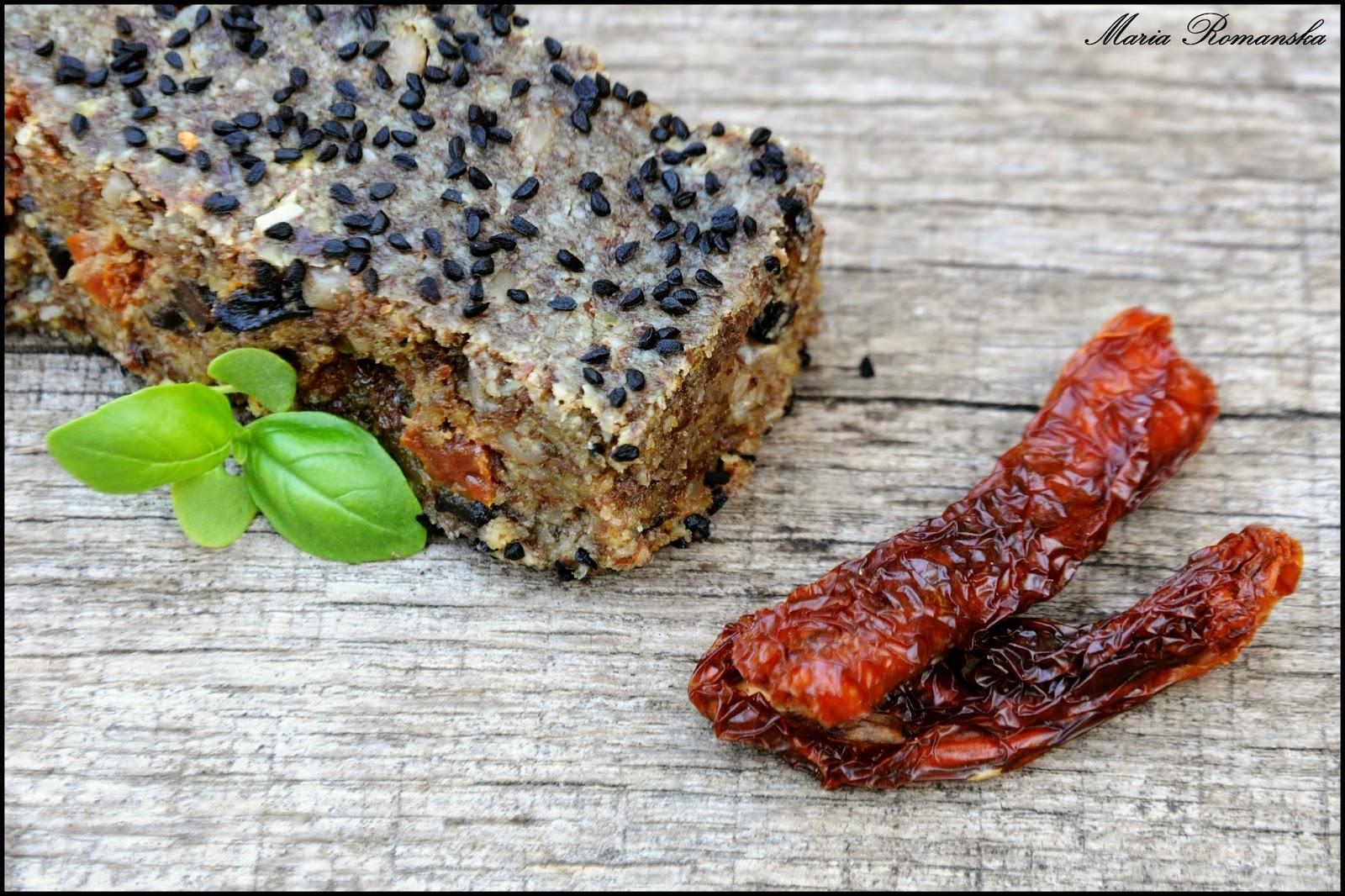 Bezglutenowy chleb z suszonymi pomidorami