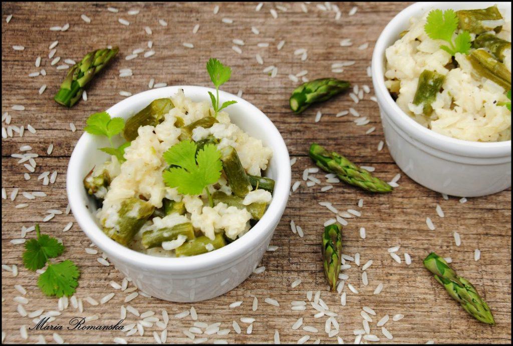 zielone szparagi z ryżem