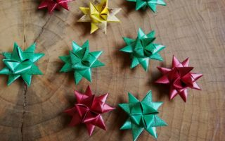 gwiazdki ze wstążki na choinkę i do dekoracji