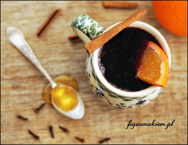mulled wine with cloves