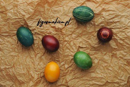 farbowanie jajek wielkanocnych